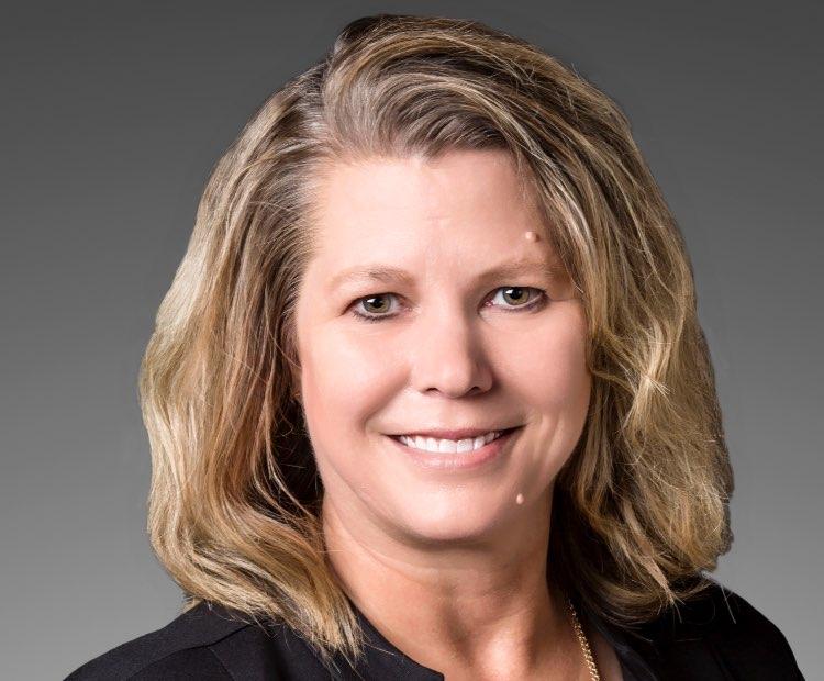 Julie Huber headshot